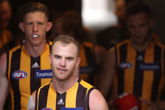 Tom Mitchell is fit to return for the Hawks in round one.