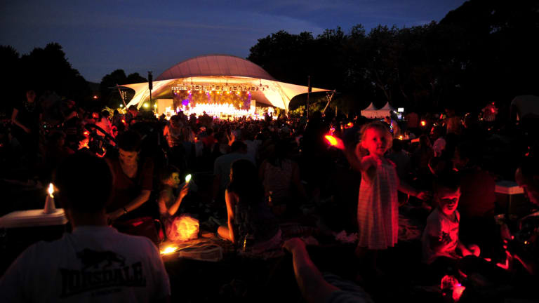 A previous Carols by Candlelight in Commonwealth Park.