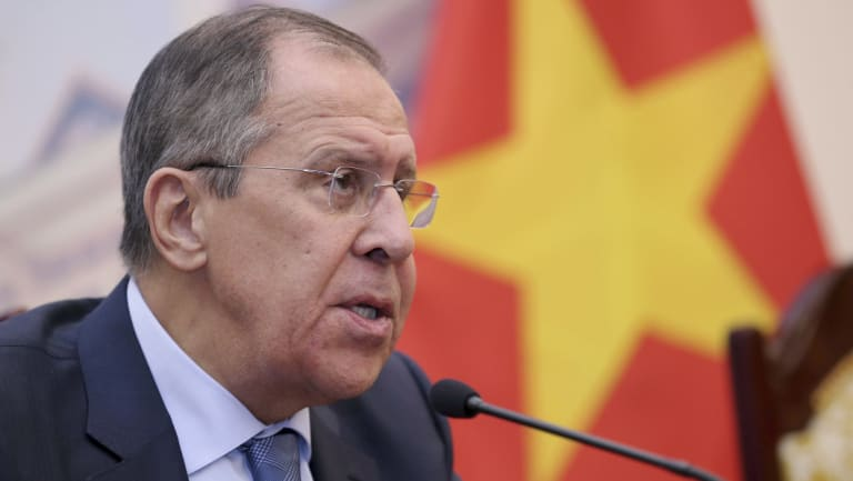Russian foreign minister Sergei Lavrov played tricks on Bishop.