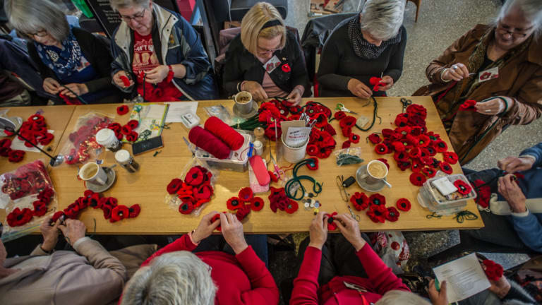 Volunteers from Canberra have made more than 5000 poppies for the display at the Australian War Memorial.