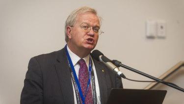 Brian Schmidt talks at the ANU's Crawford Leadership Forum.
