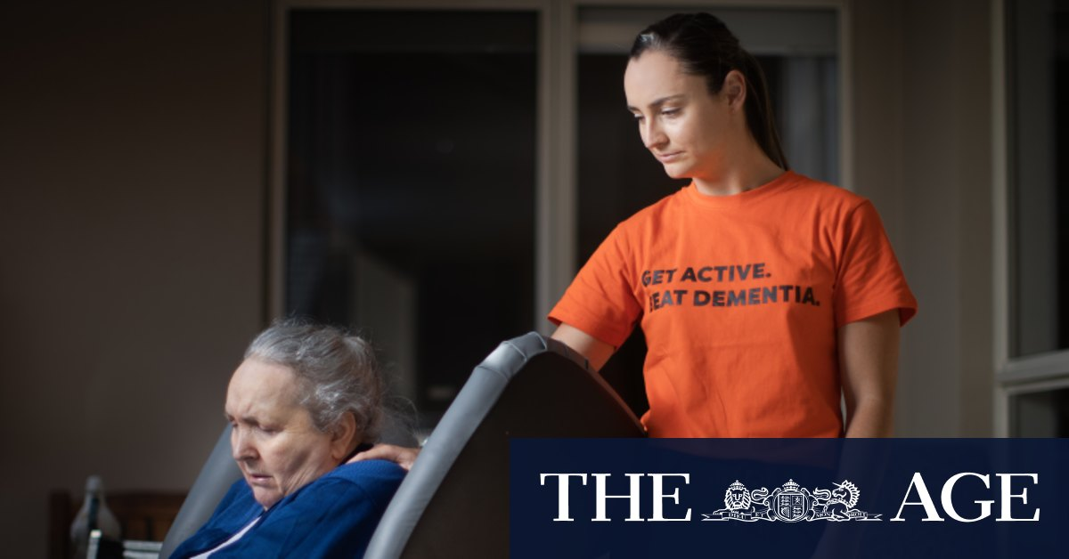 'She knows my voice, so I'll just keep going': AFLW star's heartbreak over mother's dementia