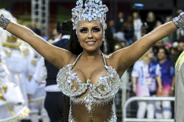 SAO PAULO, BRAZIL - FEBRUARY 22: Queen of Percussion  Ana Beatriz Godoi of Rosas de Ouro Samba School performs during the parade at Anhembi Sambadrome of Sao Paulo on February 22, 2020 in Sao Paulo, Brazil. Sao Paulo's two nights of Carnival parades began on February 21. Carnival is the biggest and most popular celebration in Brazil. (Photo by Alexandre Schneider/Getty Images)