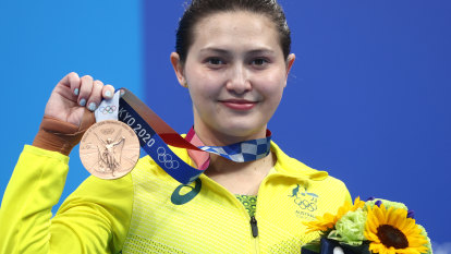 Tokyo Olympics LIVE updates: Australia's gold tally leaps to 17, bronze for Melissa Wu, Carl Lewis slams relay runners