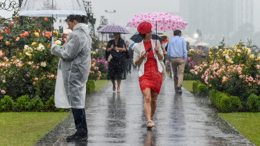 A wet start to Melbourne Cup.