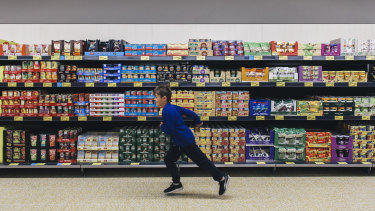Moody's says Aldi will grow faster than other supermarkets and keep downward pressure on their earnings.