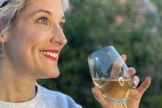 A few lockdowns ago, comedian Jo Stanley decided to become more mindful about her drinking.