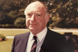 Bill Barclay receiving his AM Award at Government House in 1985.