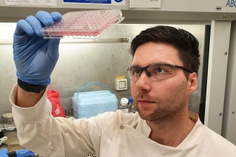 UQ'sDr David De Oliveira is leading research into redeploying a drug shelved as a potential Alzheimer's treatment into the fight against superbugs
