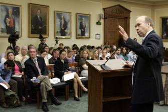 James Hansen gives a briefing on Capitol Hill in 2008, 20 years after he first warned  that global warming had begun.