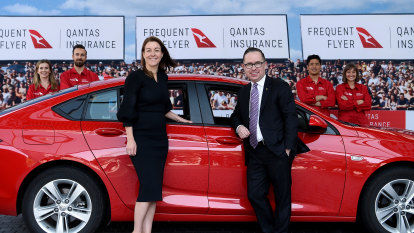 Qantas taps pull of frequent flyer points as it spreads insurance wings