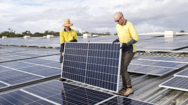Rooftop solar continues to grow and is forecast to generate 25 per cent of energy consumed by 2040. But new policies, infrastructure and power metering are needed.