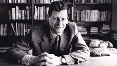 Harry Simon.