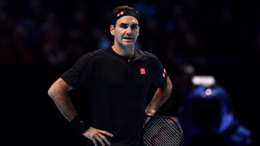 Roger Federer made a poor start in his bid for another ATP Finals triumph.