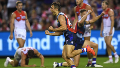 Swans start slow, finish fast but Dogs claim the points