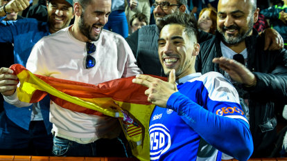 Central Coast Mariners eyeing one-handed Spanish striker Alex Sanchez