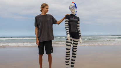 Sydney teenager designs shark-proof wetsuit
