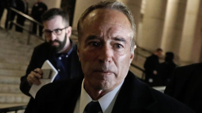 'Shattered' ex-congressman weeps at sentencing over Australian stocks