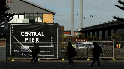 'Stressful': Docklands pier tenants demand answers as 1300 staff in limbo