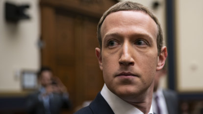 Facebook posts steady growth, Zuckerberg says it will continue running political ads