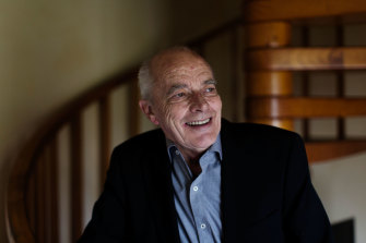 The Australian War Memorial is introducing a history-writing prize named after Les Carlyon.