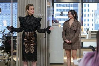 Melora Hardin as Jacqueline Carlyle, Katie Stevens as Jane Sloan.