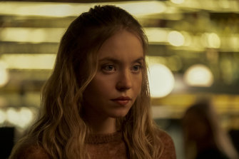 Sydney Sweeney as Montreal hipster Pippa in The Voyeurs.
