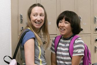 Anna Kone (Anna Konkle) and Maya Ishii-Peters (Maya Erskine) in the second season of Pen15.