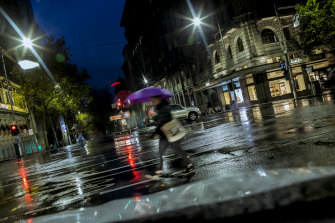 Early showers hit Melbourne.