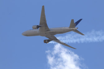"""United Airlines Flight 328 approaches Denver International Airport after experiencing """"a right-engine failure"""" shortly after take-off."""