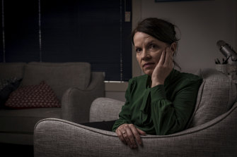 Emma Clarris is a psychologist in Bellfield.