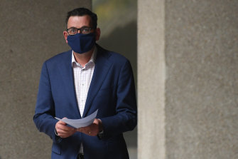 Premier Daniel Andrews said people in regional Victoria were choosing to wear masks even though it is not mandatory.