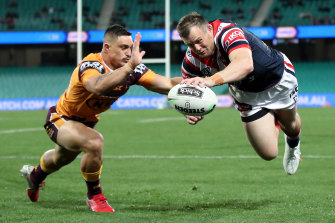 Josh Morris has been dropped from the Roosters 17 to face the Knights.