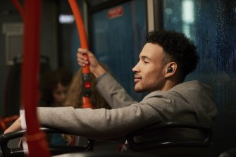 The WF-1000xM4 have no problem drowning out noisy public transport.