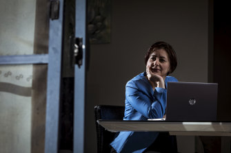 Former Iraqi refugee Maryann Essa is translating videos with COVID-19 health information into Arabic.