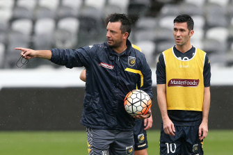 John Hutchinson worked as an assistant with the Central Coast Mariners, Western United and MLS team Seattle Sounders before agreeing to join Ange Postecoglou at Yokohama F. Marinos.