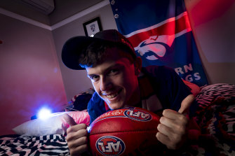Alex Nason, who lives with autism, is a mad-keen Bulldogs supporters and is pumped for Saturday's elimination final.
