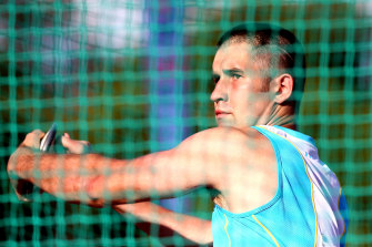 Guy Henly has claimed a medal at his fourth consecutive world para athletics championships.