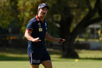 Bulldogs coach Luke Beveridge says confusion is widespread on sling tackles.
