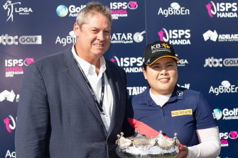 Stephen Pitt, pictured with Australian Open winner Inbee Park, has quit as CEO of Golf Australia.