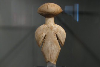An anatolian marble female idol of Kiliya type. Chalcolithic period, c. 3000-2200BC. 22.9 cm high. Known as the Guennol stargazer.