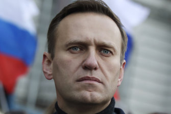 Russian opposition activist Alexei Navalny says he phoned some of his alleged poisoners.