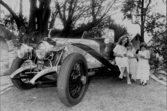 Carla Zampatti and her two daughters, Bianca and Allegra, were enchanted by the overall winner of the Rolls-Royce Concours d'Elegance. September 27, 1982.