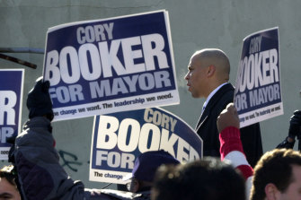 Street Fight captures Cory Booker taking on a four-time incumbent to be mayor of Newark.