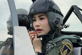 Major General Sineenat Wongvajirapakdi is also a pilot.