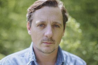 Sturgill Simpson's new album, The Ballad of Dood & Juanita, continues his dalliance with traditional bluegrass.