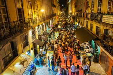Lisbon nightlife before COVID-19.