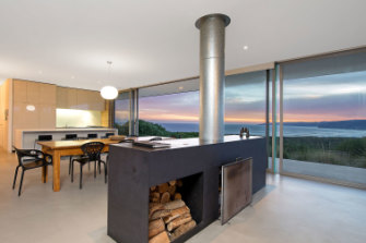 The magnificent Rotten Point House sits atop an untouched clifftop between Apollo Bay and The Twelve Apostles.