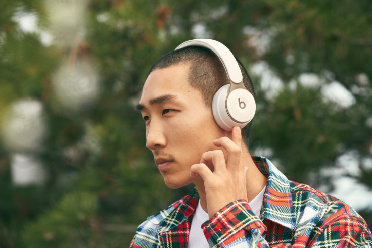 Beats Solo Pro Review The Best On Ear Headphones If They Fit Your Head