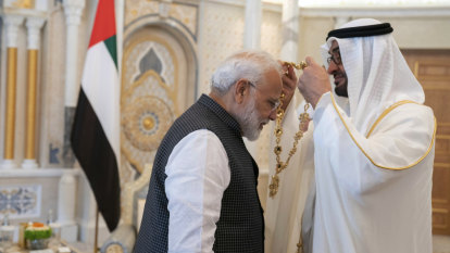 India's Modi awarded UAE highest honour amid Kashmir crackdown